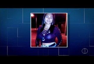 Mulher é morta a facadas e Polícia suspeita de discussão com vizinha em Campos, no RJ - Crime foi no bairro Tapera II.