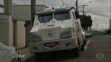 Policia de SP investiga assalto a carro-forte da empresa de transporte de valores Brinks - O roubo começou com o sequestro da família de um funcionário da transportadora.