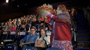 Delinha reúne convidados para estreia de documentário - Dama da música é personagem principal do trabalho.