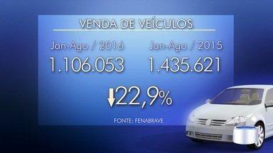 Abrir a loja mesmo no feriado é aposta dos donos de lojas de carros - Agosto foi maism mês de queda nas vendas de veículos.