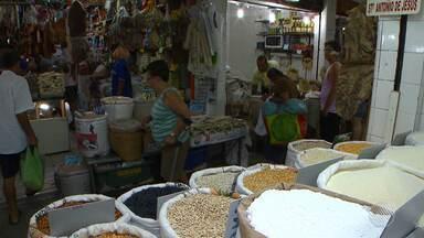 Comerciantes e empresários falam sobre o aumento do preço no feijão, arroz e farinha - Eles dizem o que estão fazendo para driblar os preços.