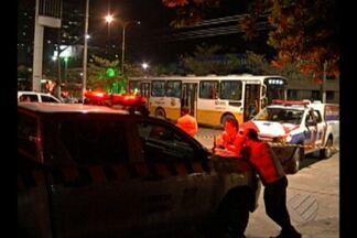 Assaltante de 15 anos é morto por passageiro de ônibus em Belém - Assaltante de 15 anos é morto por passageiro de ônibus em Belém