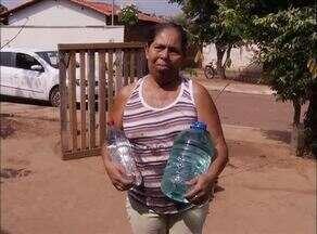 População sofre com a falta de água em Barrolândia, interior do estado - População sofre com a falta de água em Barrolândia, interior do estado