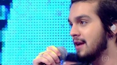 Luan Santana canta 'Chuva de Arroz' - Plateia faz coro da canção