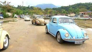 Clube do fusca reúne apaixonados pelo carro em Paraty - Plugue mostra porque o carro é o preferido entre esses jovens.
