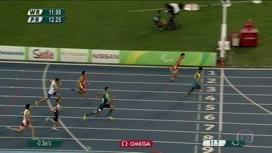 Rodrigo Silva fica com a medalha de bronze nos 100m rasos masculino na Paralimpíada - Rodrigo Silva fica com a medalha de bronze nos 100m rasos masculino na Paralimpíada