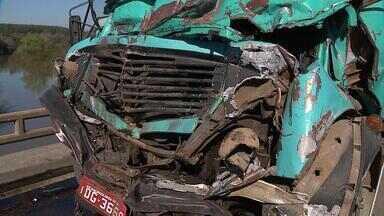 5 pessoas morrem em acidentes de trânsito no RS - Só nesse final de semana, até agora, 5 mortes no trânsito foram registrados.