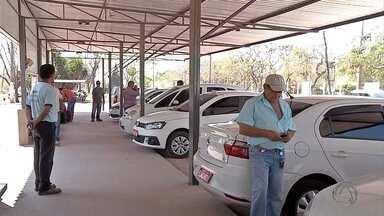 Operação combate entrada de táxis bolivianos em Corumbá - Ação foi realizada neste sábado na cidade que fica na fronteira com a Bolívia.