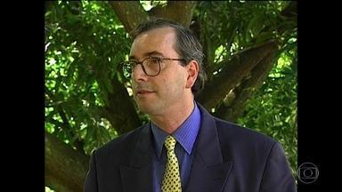 Do poder à cassação: biografia de Cunha tem histórico de denúncias - Eduardo Cunha começou a vida pública no governo Collor, em 1991. Na Câmara, destacou-se por suas habilidades políticas.