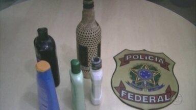 PF encontra 3,8 quilos de cocaína diluídos em cachaça e xampu - Cearense tentava embarcar para Lisboa com a droga na bagagem