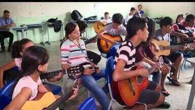 Projeto ajuda crianças e transforma vidas através da música - Projeto ajuda crianças e transforma vidas através da música