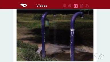Chuveiro público fica aberto o tempo todo na praia de Camburi, em Vitória - Uma equipe da Prefeitura de Vitória está indo até a praia de Camburi para consertar o chuveiro quebrado. A prefeitura informou que vândalos passam e quebram o registro dos chuveiros.