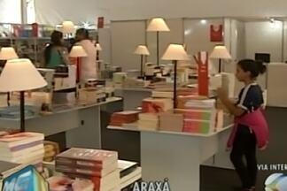 Fliaraxá recebe amantes de leitura e tem diversas atrações - A Feira Literária começou nessa quarta-feira (14).