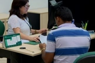 Educador financeiro dá dicas sobre o uso do 13º salário em Divinópolis - O benefício pode ser antecipado nas agências bancárias. Anderson Gonçalves deu entrevista ao MGTV sobre o assunto.