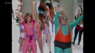 Pediu, Passou: Claudia Raia estreou na TV ao lado de Jô Soares - Atriz participava de um quadro do programa 'Viva o Gordo' em 1984