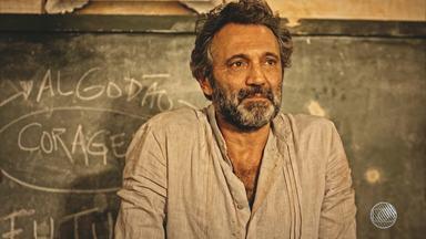 Admiradores baianos lamentam a morte do ator Domingos Montagner - Ele morreu afogado nas águas do Rio São Francisco na tarde desta quinta (15).