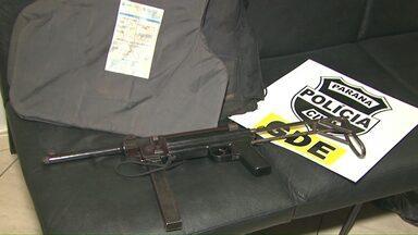 Rapaz é preso com metralhadora e colete a prova de balas - Prisão foi no dia do aniversário dele.