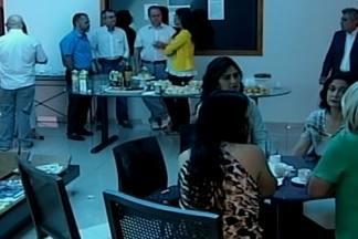 """TV Integração realiza café em comemoração aos 80 anos da Acia em Araxá - Representantes da Associação Comercial e Empresarial de Araxá e órgãos como a Câmara da Mulher Empreendedora e a """"Acia Jovem"""" participaram das comemorações."""