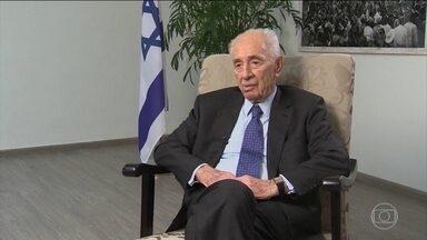 Morre Shimon Peres, ex-presidente de Israel, aos 93 anos - Morreu na noite de terça (27), na cidade israelense de Ramat Gan, o ex-presidente de Israel Shimon Peres. Ele sofreu um AVC no dia 13 de setembro e não se recuperou mais.