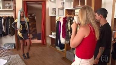 Ludmilla abre o closet para Angélica - Cantora desfilou com várias opções de look