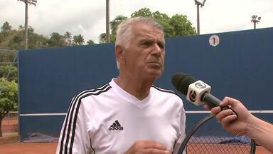 Aos 81anos, o tenista Mario Baresi participa do Alagoano Master - Ele é um dos atletas que mais participa do Alagoano Master de Tênis.