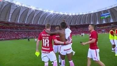 Jogadores do Inter comemoram muito a vitória em cima do Flamengo - Jogadores do Inter comemoram muito a vitória em cima do Flamengo