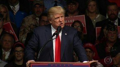 Donald Trump perde nas pesquisas eleitorais e diz que há uma 'fraude' - Com as pesquisas de opinião indicando que Hillary Clinton mantém constante vantagem sobre Donald Trump, o candidato republicano à presidência dos Estados Unidos passou a dizer que está ocorrendo enorme fraude eleitoral no país.
