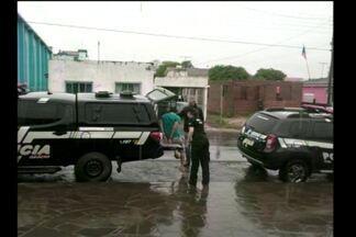 Prisão em São Luiz Gonzaga e Santiago, RS - Três pessoas foram presas por furto de defensivos agrícolas.