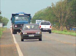 Lei que obriga faróis ligados em rodovias passará a valer após sinalização com placas - Lei que obriga faróis ligados em rodovias passará a valer após sinalização com placas