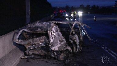 Grave acidente na Rodovia dos Bandeirantes deixa 3 mortos em SP - Outras seis pessoas ficaram feridas. A polícia apura as causas do acidente.