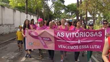 Grupo se reúne em Betim para conscientizar população sobre a prevenção do câncer de mama - O Instituto Nacional do Câncer prevê que neste ano sejam registrados quase 58 mil casos da doença.