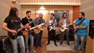 Guitar Day: o som rola solto com nove guitarristas juntos. - Guitar Day: o som rola solto com nove guitarristas juntos.