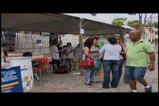 CDL promove feira de capacitação em Divinópolis - Atividades são oferecidas no quarteirão fechado da Rua São Paulo. Objetivo é orientar sobre áreas de atuação.