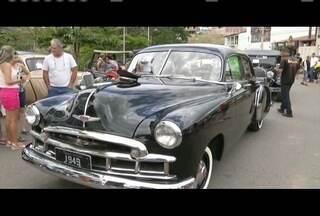 4º Encontro de Carros Antigos acontece em Governador Valadares - Tradição passa de pai para filho.