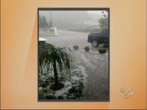 Temporal causa prejuízos na região norte do RS - Chuva e Granizo fizeram estragos em pelo menos cinco cidades