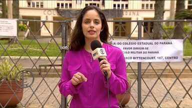 Estudantes fazem assembleia para discutir as ocupações de escolas no estado - Veja também que numa escola de São José dos Pinhais os estudantes foram assaltados durante a ocupação da escola