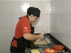 Prudentina participa de concurso no Mais Você - Receita de pastel fez sucesso na competição.