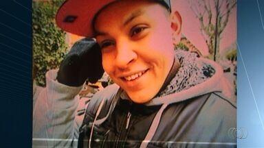 Família luta para trazer a Goiás corpo de jovem que morreu em Londres - Rafael Rodrigues, 23 anos, faleceu menos de 30 dias após descobrir câncer. Goiano tinha se mudado há um ano em busca de independência financeira.