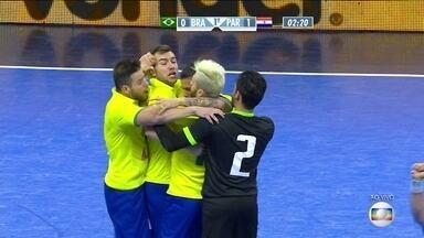 Brasil empata o jogo contra o Paraguai pelo Desafio Internacional de Futsal - Rafa faz bonita jogada, passa por dois e encontra Gadeia livre: 1 a 1