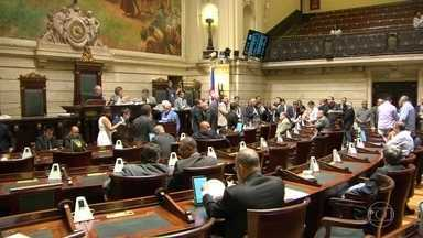 Câmara dos Vereadores derruba projeto de lei que criaria superposentadoria para vereadores - Depois de repercussão negativa, 40 vereadores votaram contra. Houve 11 abstenções.
