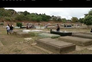 Em Governador Valadres, são esperadas mais de 30 mil pessoas nos cemitérios públicos - Ao vivo um padre fala do significado do Dia dos Finados.
