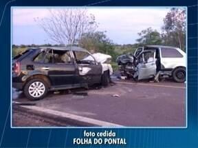 Acidente em Teodoro Sampaio faz mais de 10 vítimas Mateus - Mateus Tarifa tem as informações sobre a batida entre dois carros.