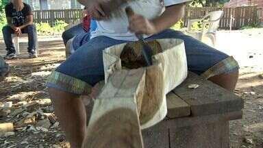 Oficina ensina crianças a fabricarem viola de cocho em tocarem cururu em MT - Oficina ensina crianças a fabricarem viola de cocho em tocarem cururu em MT