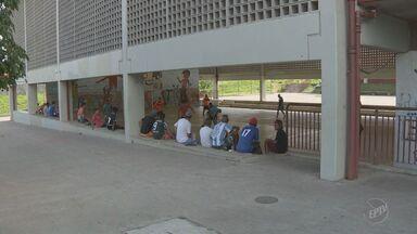 Sobe para cinco número de escolas ocupadas em Campinas contra reforma do ensino - Estudantes também se opõem ao projeto que limita gastos públicos.