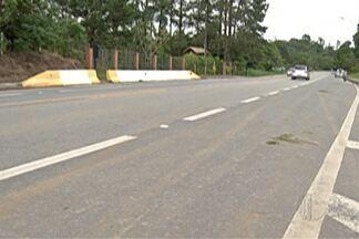 Feriado aumenta movimento de veículos na Mogi-Bertioga - Polícia Rodoviária registrou acidentes nos quilômetros 71 e 75, mas sem vítimas.