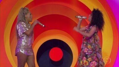 'As Bahias e a Cozinha Mineira' se apresenta pela primeira vez no palco do 'Esquenta' - Banda canta 'Uma canção para você'