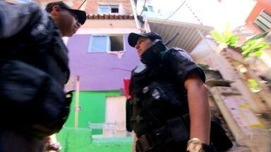 Policiais relatam como superaram o trauma da morte de companheiros durante o trabalho - Só este ano, o número de PMs feridos nos confrontos do Rio já chega a 300.
