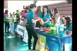 Começa a feira de economia solidária - O evento reúne empreendedores no Instituto Federal Farroupilha em Santa Rosa, RS.