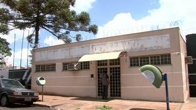 Vistoria aponta superlotação na Cadeia Pública de Arapongas - O espaço está abrigando quatro vezes mais presos do que deveria.