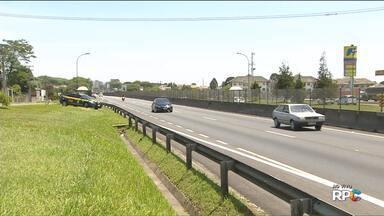 PRF faz operação nas estradas por causa do feriado - Movimento deve aumentar em 30% na BR-376, sentido litoral do Paraná e de Santa Catarina, e na BR-277, sentido interior.